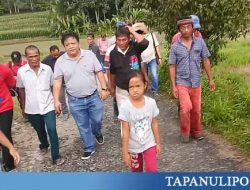 Peduli Kampung Halaman, Albert Gultom Akan Perbaiki Jalan Rusak Sepanjang 3 Km