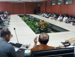 """Pekat Menjamur, Anggota DPRD Tobasa """"Belajar"""" ke DPRD Medan"""