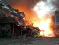 Kebakaran Hebat Terjadi di Depan Pasar Batangtoru