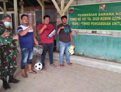 Satgas TMMD Kodim 0205/TK Berikan Bantuan Alat Olah Raga di Desa Kancaribu