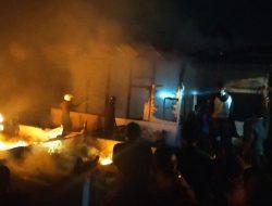 Rumahnya Terbakar Saat Tidur Pulas, Nenek Berjuang Selamatkan Cucunya