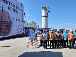 Wagub Sumut Musa Rajekshah Hadiri Pelepasan Ekspor Perdana Triplek dari Pelabuhan Sibolga