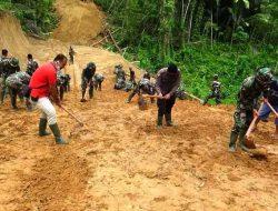 TNI, Polri dan Masyarakat Kompak Buka Jalan Baru di Gunungsitoli