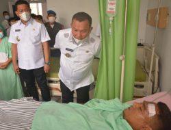 Wali Kota Sibolga Jamaluddin Pohan Besuk Sopir Damkar yang Terbalik