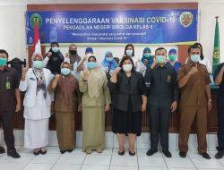 Ketua PN Sibolga dan Puluhan Pegawainya Disuntik Vaksin COVID-19