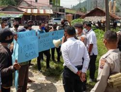 Pegawai PDAM Mual Nauli Demo Tuntut Gaji: Mundur Saja Puspa