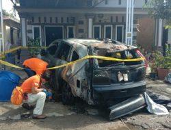 Mobil Anggota DPRD Tapteng Dibakar OTK