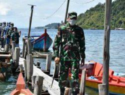 Danrem 023/KS Tinjau Vaksinasi Massal di Pulau Mursala