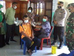 Lansia di Desa Wek IV Batangtoru Disuntik Vaksin Covid-19