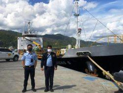 Imigrasi Sibolga Periksa Awak Kapal dari Singapura